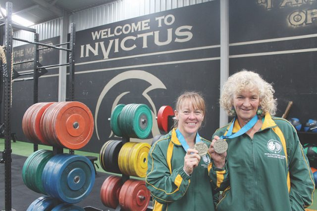 (L-R) Toni Lane and Louise Webbwith their gold medals. Photo – Jessica Howard