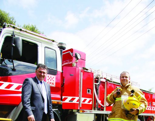 Managing Director (WW) Neil Brennan (left) with WW staff member and CFA member Neil Smith. Photo - WW